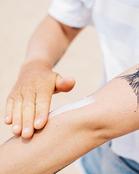 apply aloe vera on skin